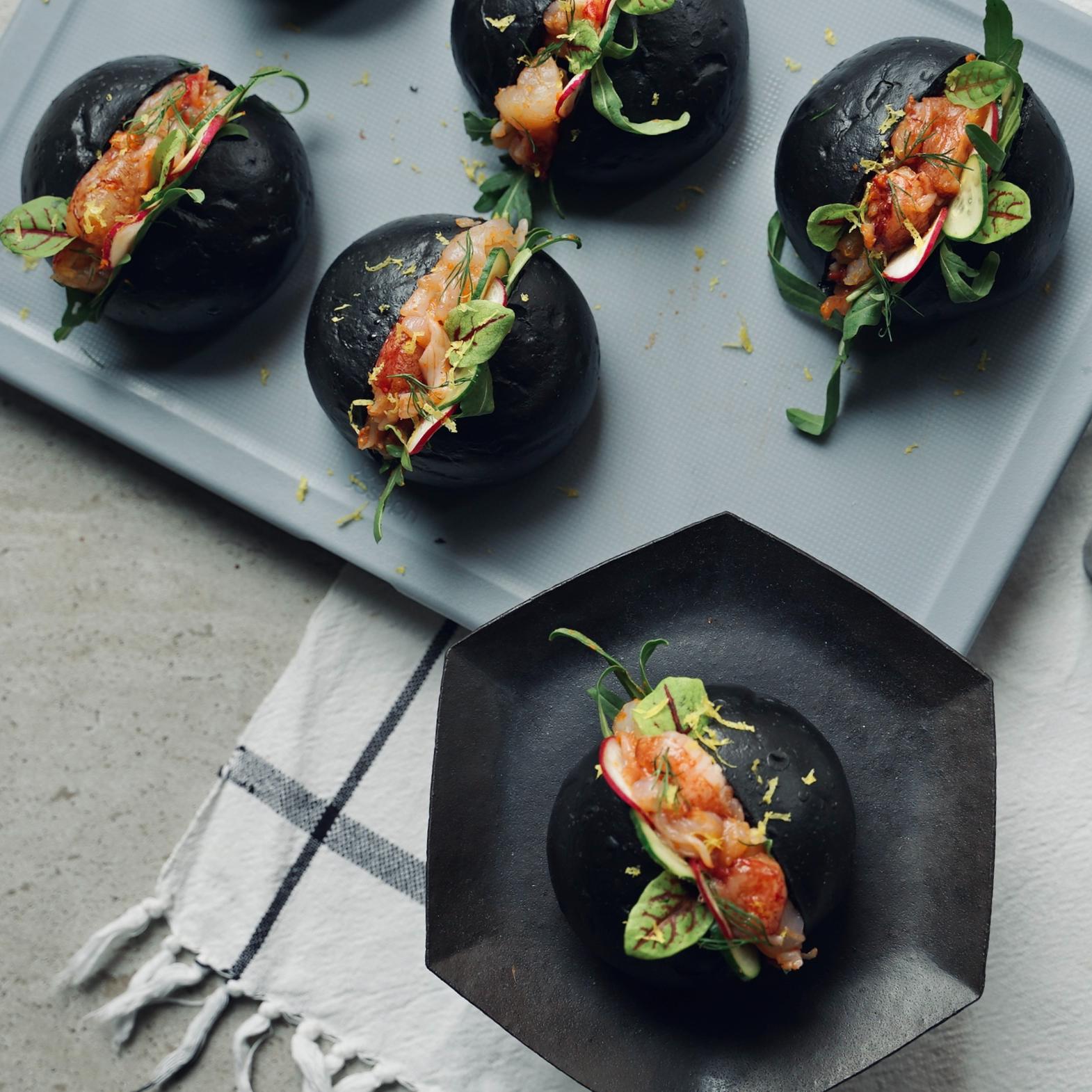 開罐即食》中秋限定「黑月派對龍蝦堡」,挑戰充滿細節的口味設計
